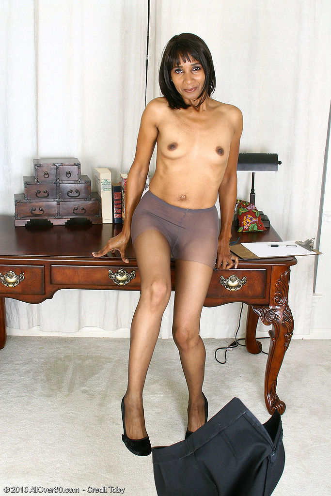 Secretary 949 mature pantyhose woman mature
