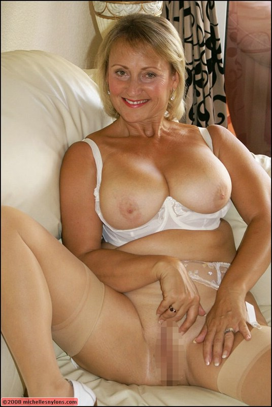 Picture mature women michelle nylons opinion