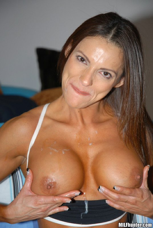 six ripped abs with Milfs pack