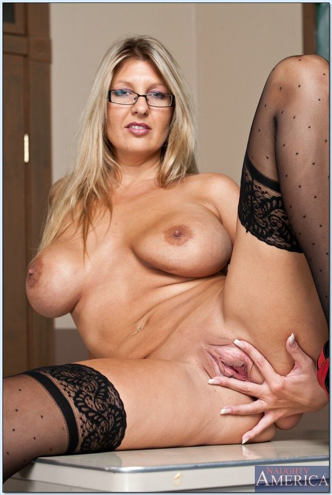 Blonde milf glasses ass