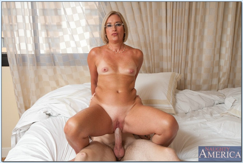 Sexy suz naked