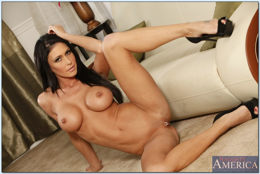 Seduced By A Cougar - Jessica Jaymes