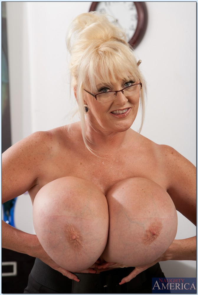 Collection Big Boob Old Lady Pictures - Amateur Adult Gallery