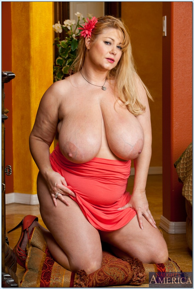 ... mature squeezing her fat tits and caressing hot pussy - All Fat Pics