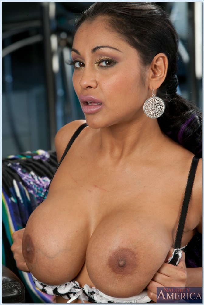 Priya rai big boobs