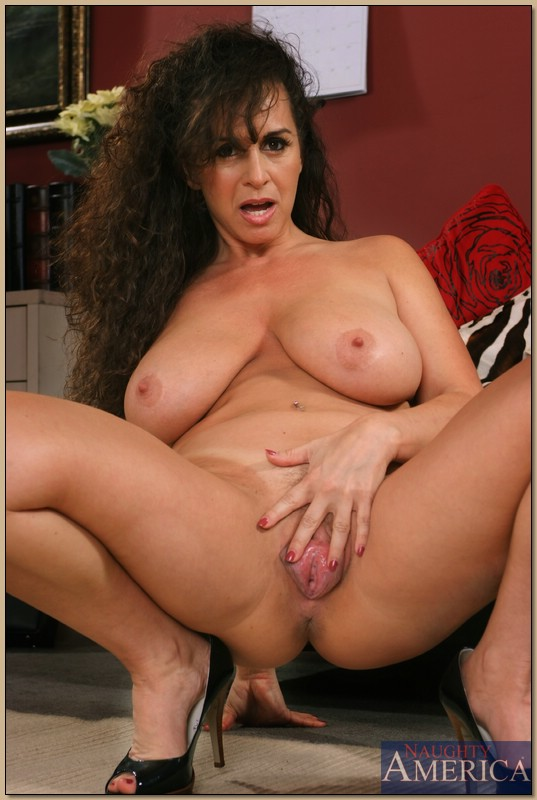 Share your amiture mature cougars here