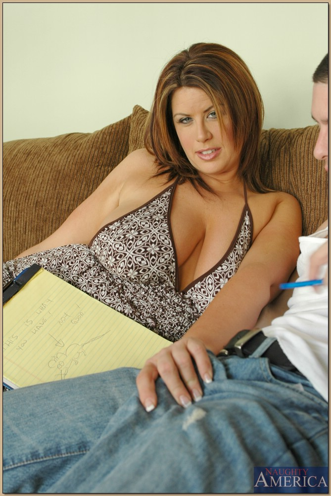 Fat mature Lisa Sparxxx pleasing a thick cock with her boobs and cunt ...