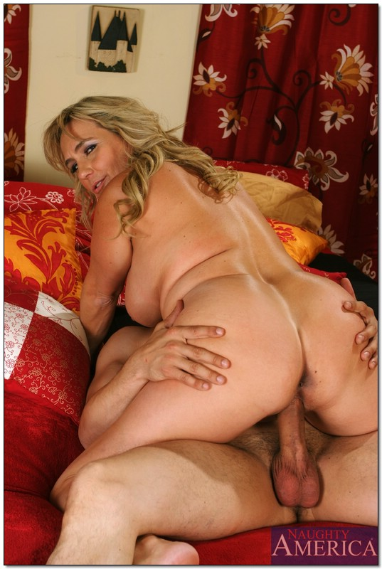 Hot sexy girl getting fucked hard mom xxx picture