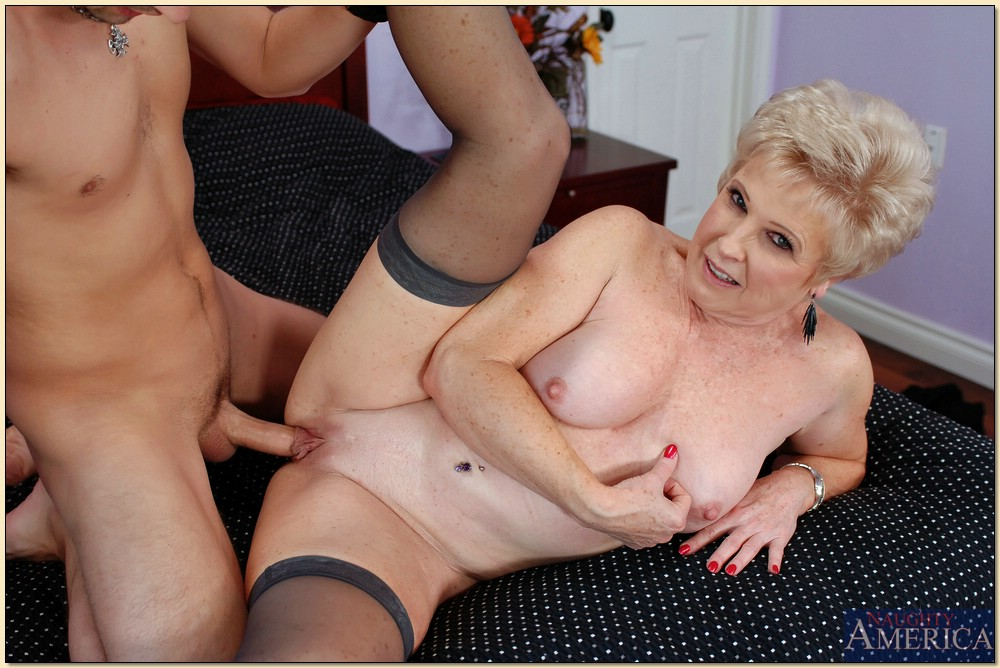 Mature Interracial Bbc Granny