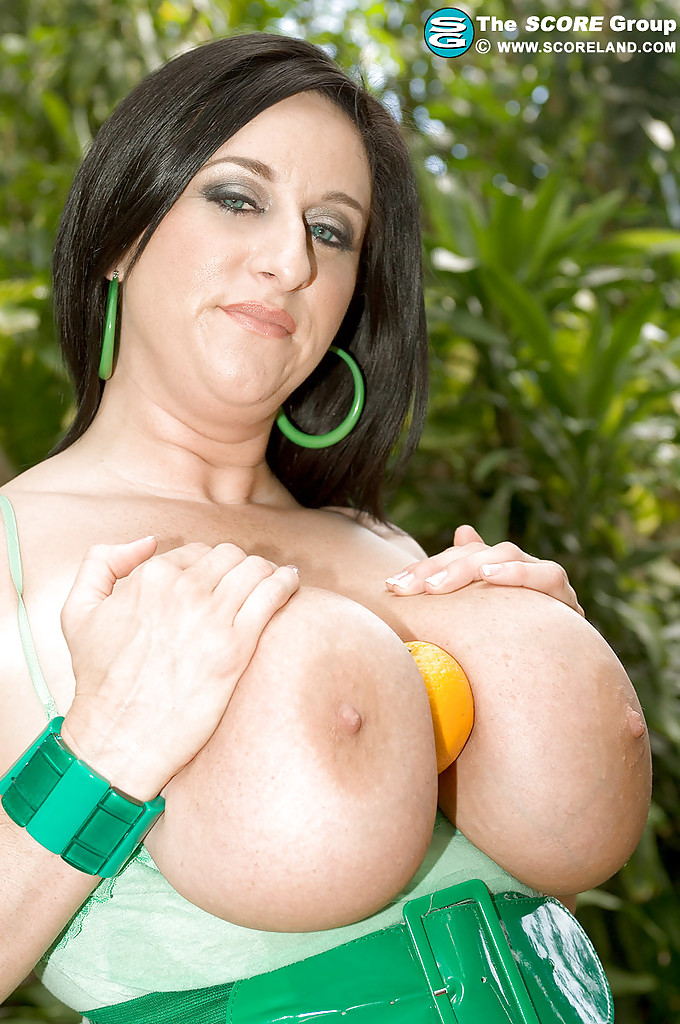 Busty kitty lee myspace