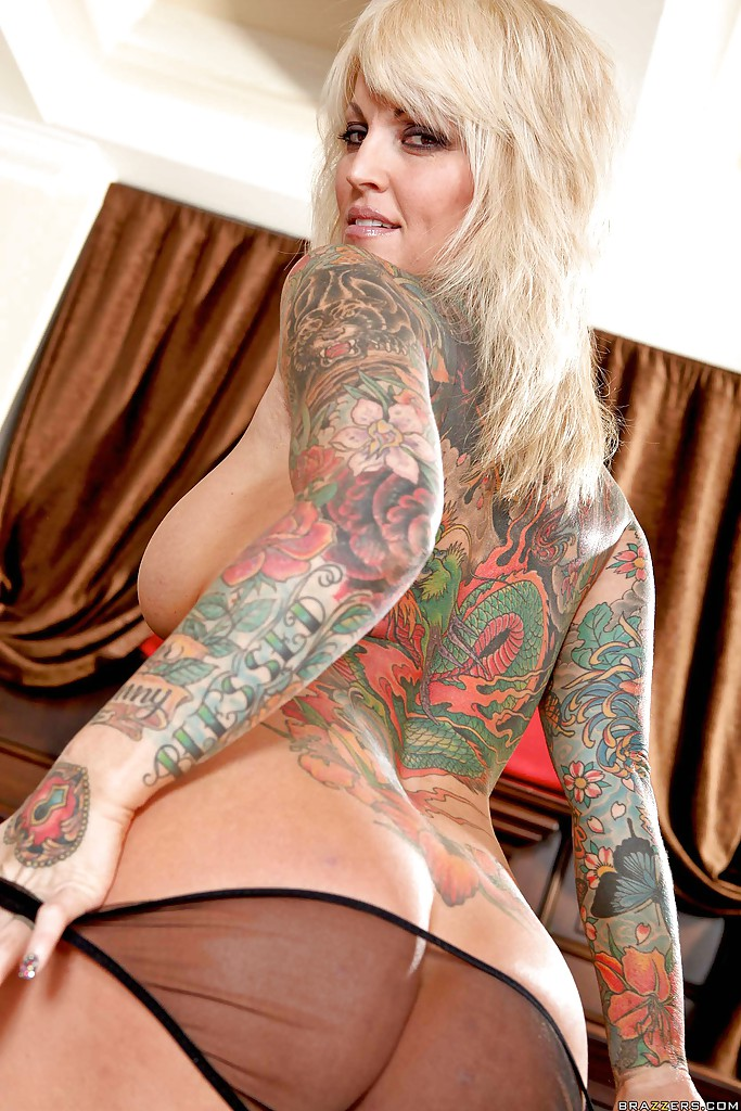 with tattoos milfs Naked