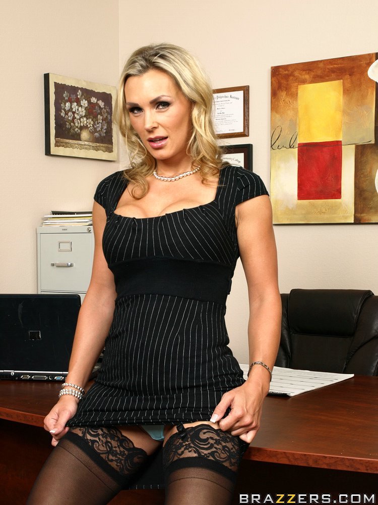 Big boobed MILF Tanya Tate ended up with cum in her mouth after hot sex action № 1578090  скачать