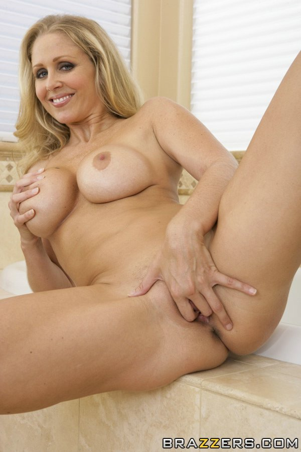 Julia ann masturbation