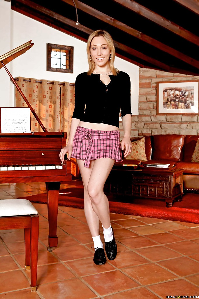 Pretty babe Lily Labeau uncovering her graceful body outdoor № 376379 бесплатно