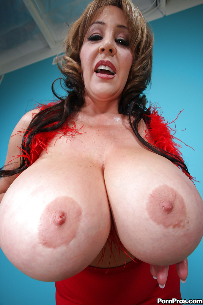 Large women matures amp pilot 9