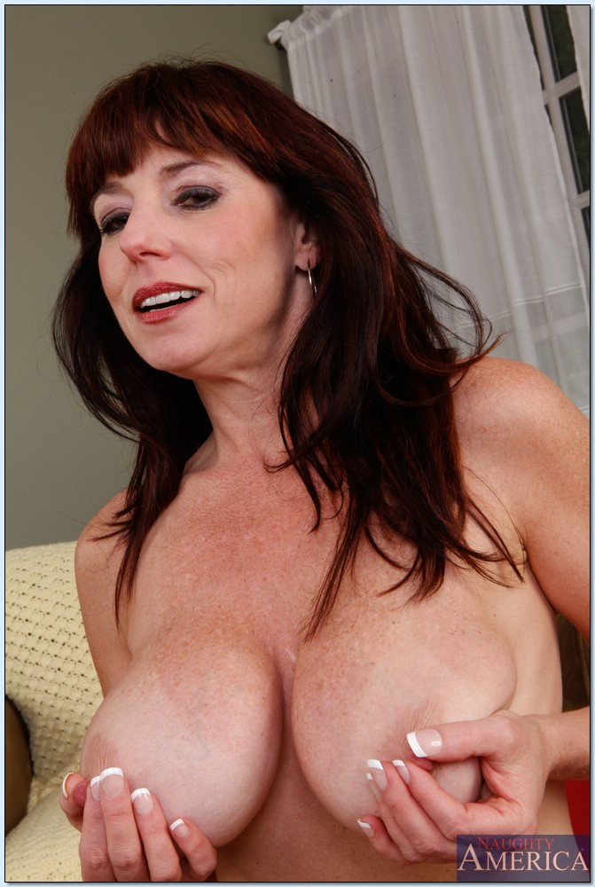 Mature babe karen kougar big tits against bbc