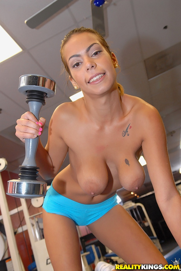Gym babes nude selfies at gym interesting