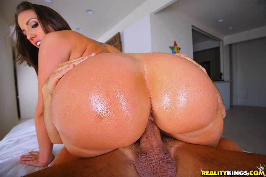 Huge ass massage