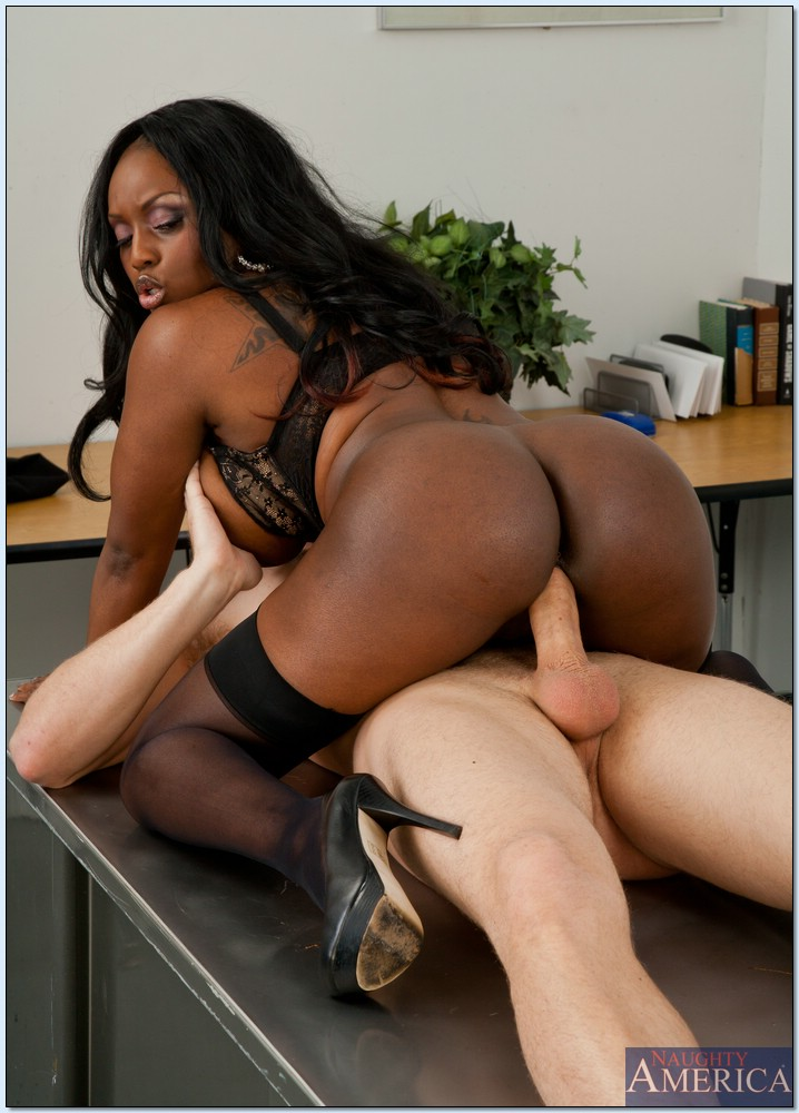Black teacher gets fucked by student