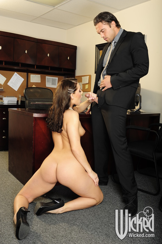 Nude Women Having Sex At The Office 70