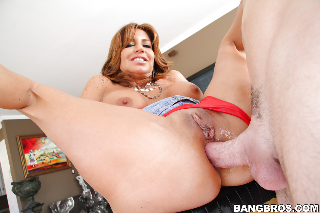 tara holiday anal
