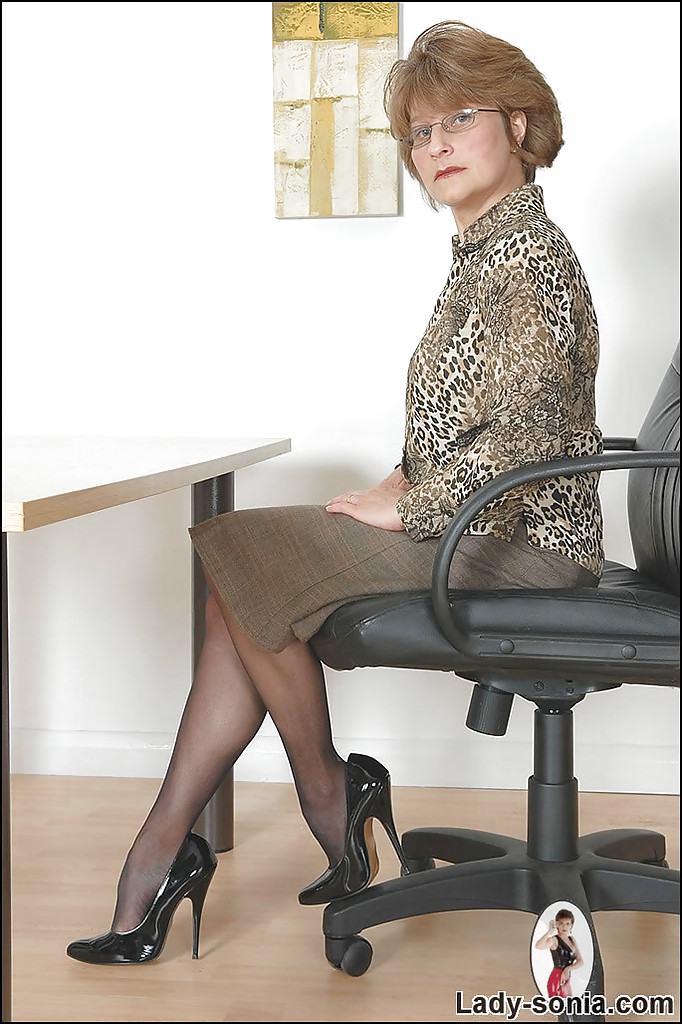 Alex Matures - Free Mature / Granny / MILF / Housewifes.