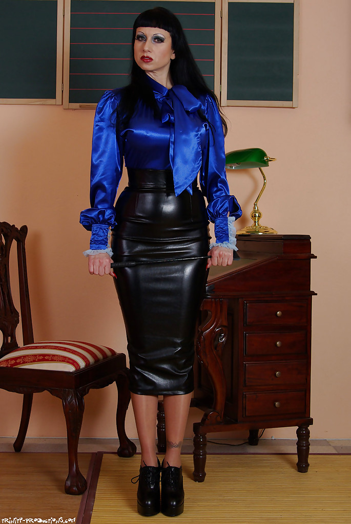 mistress Fully fetish clothed leather