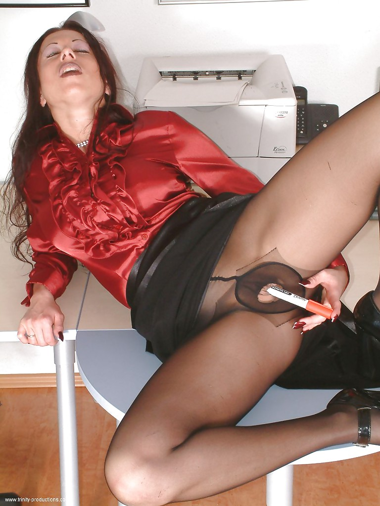 Apologise, Kinky men in pantyhose consider