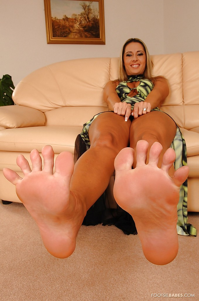 Agree, barefeet of nude babes porn for