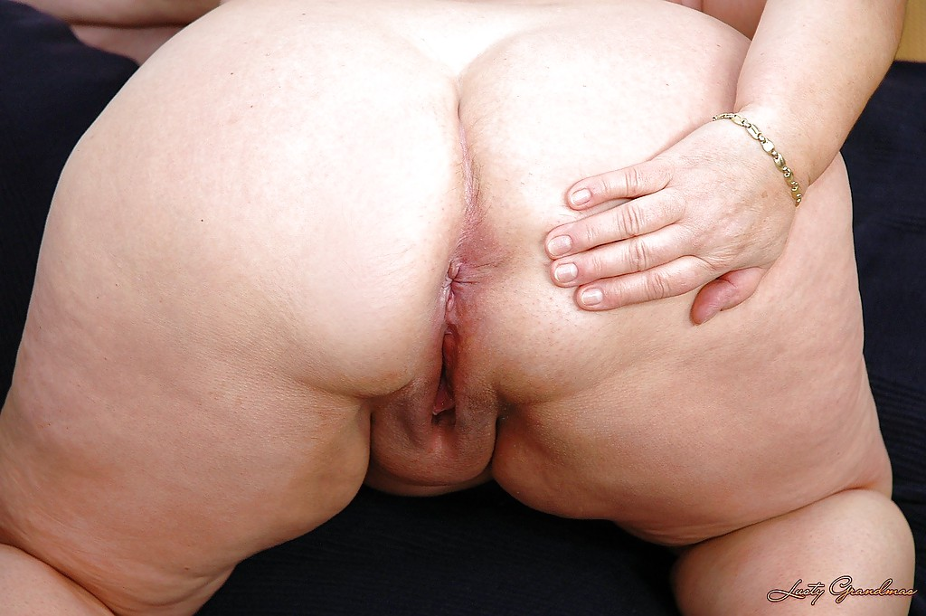 Chubby granny ass spreading hd pics