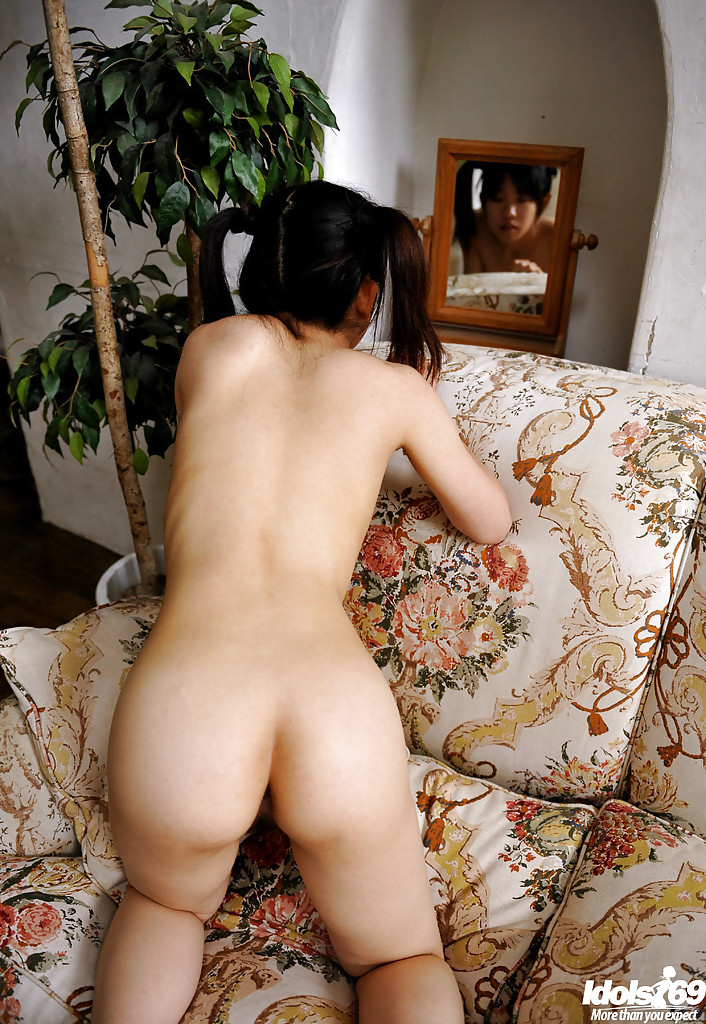 nude asian babe butt
