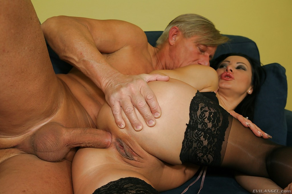 porno-analchik-so-zrelimi