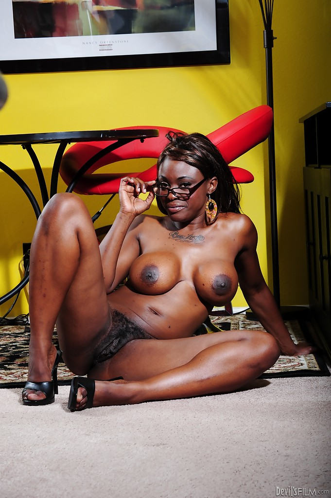 You coco pink ebony porn apologise, but