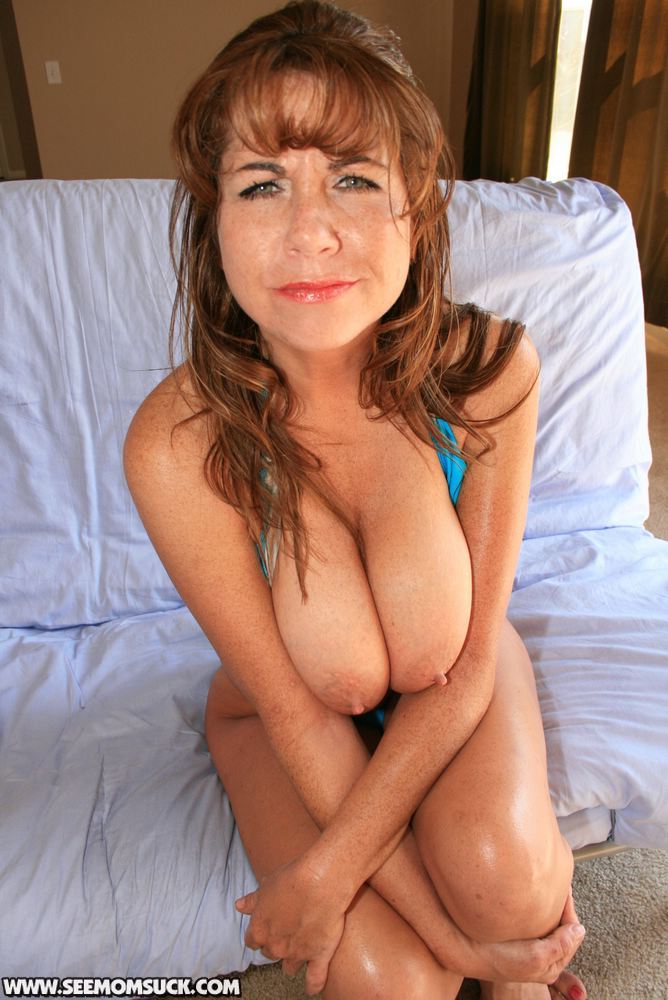 Naughty milf lets you watch her play with her ass and butt plug roleplay