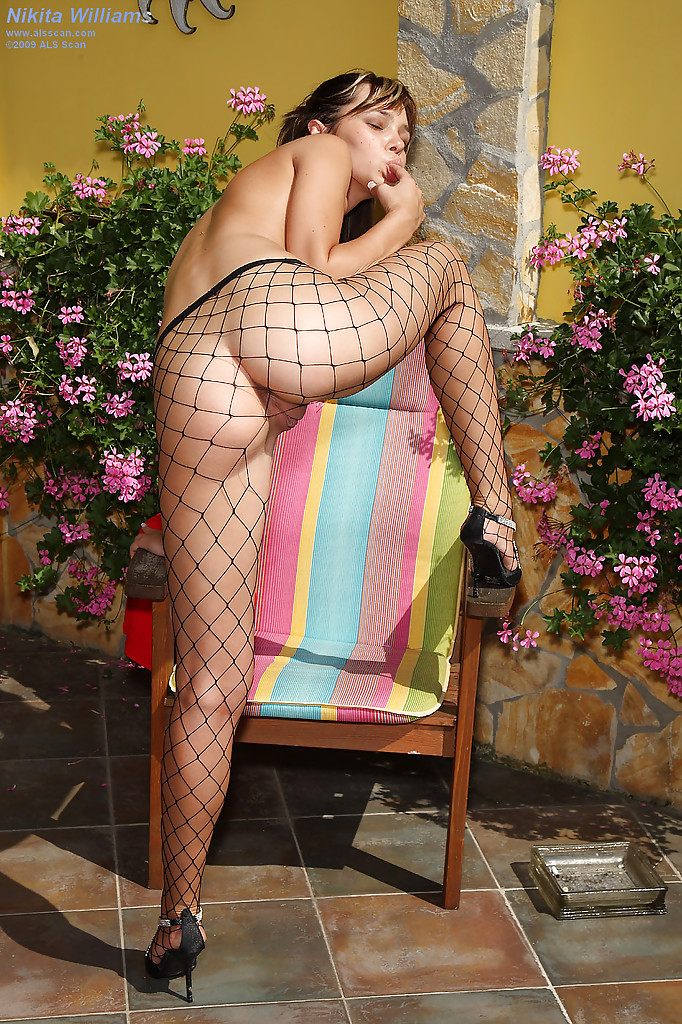 Shaved fishnet hose