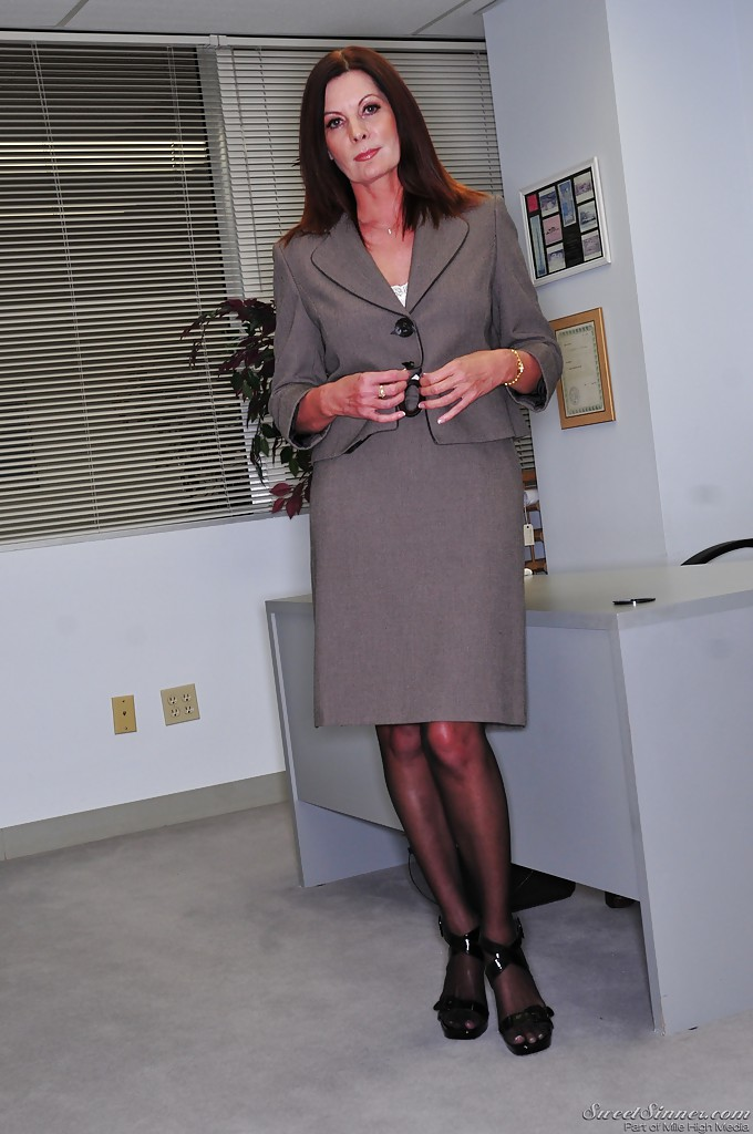 Mature boss woman Magdalene St Michaels spreading hairy pussy in office  884503