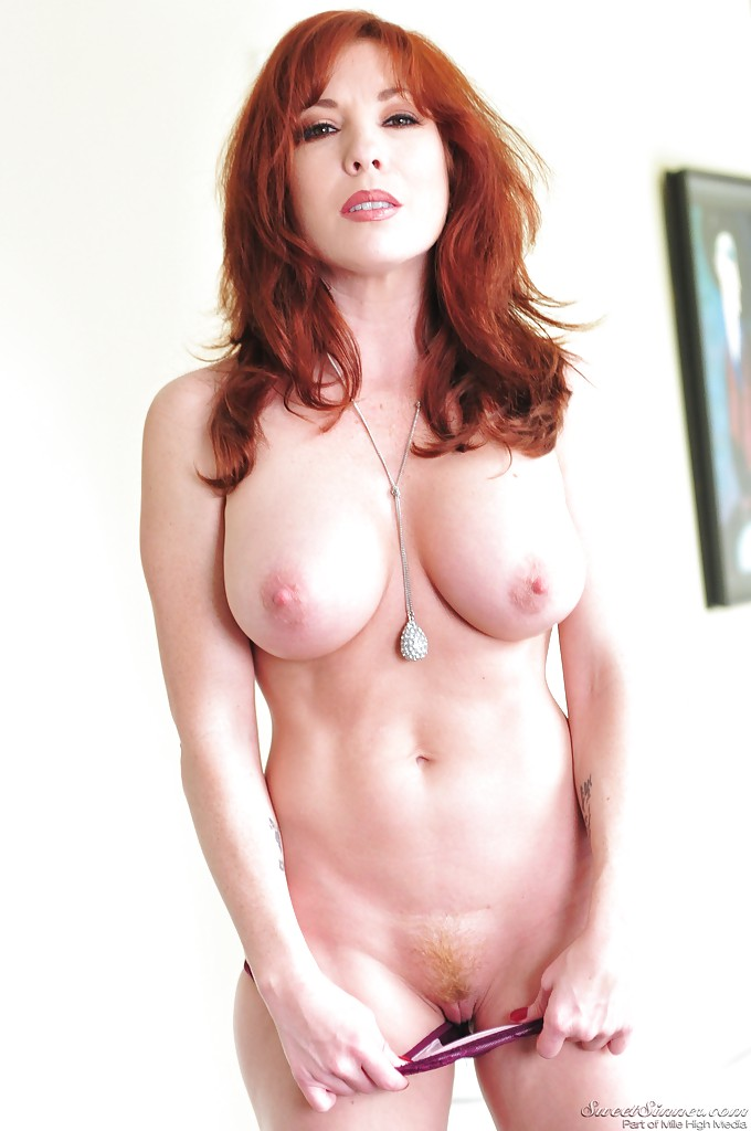 Redhead stripping at the pool table