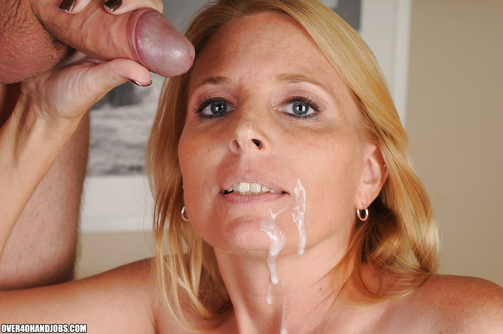 porn photo 2020 Mature pussy peeing pictures