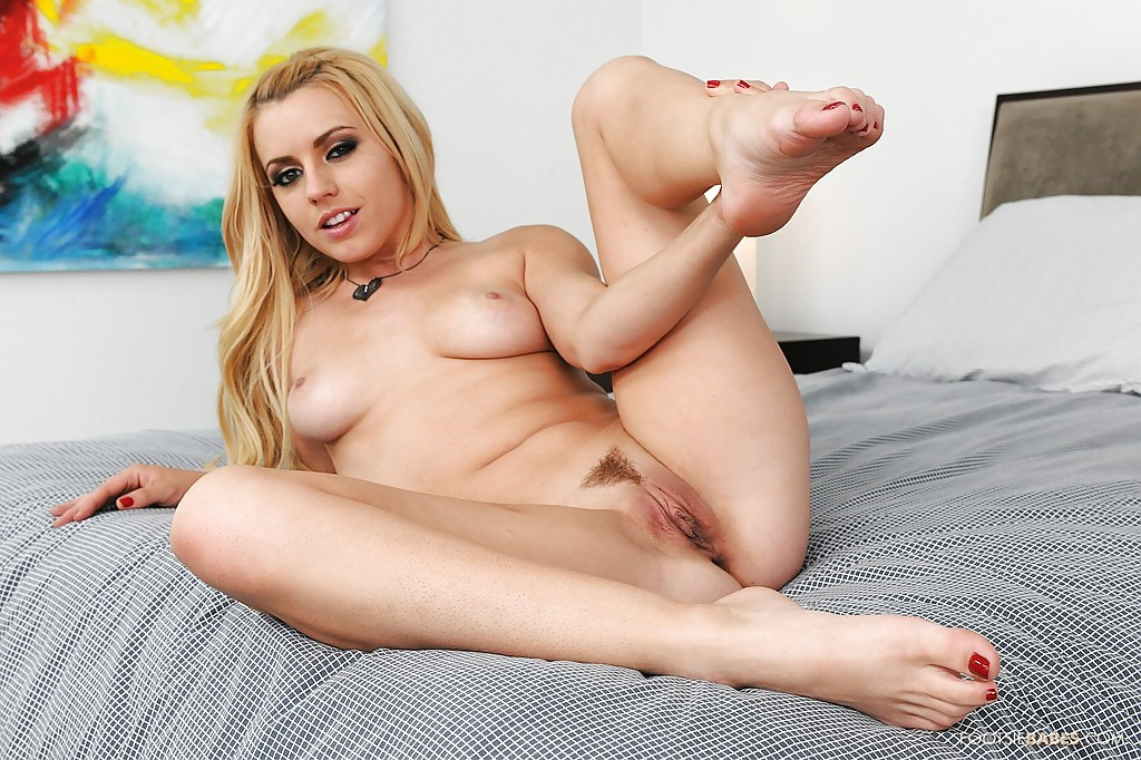 Solo girl pussy pink