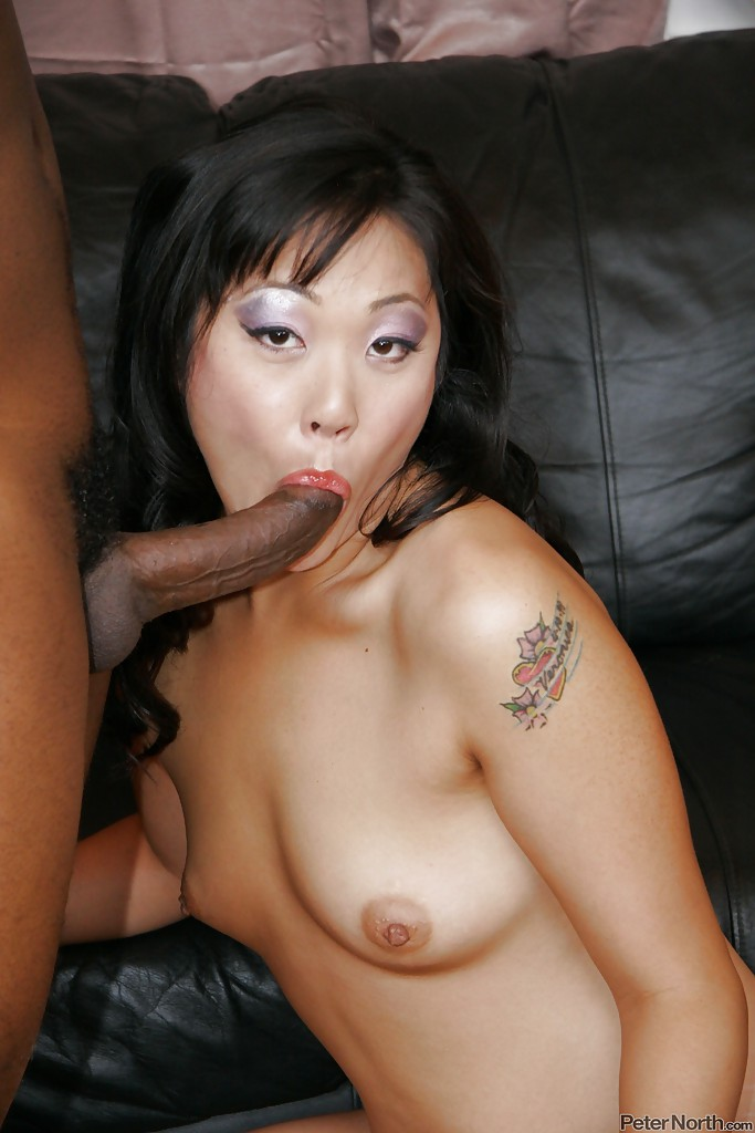 Mya minx gets fisted and she fucking loves it 6