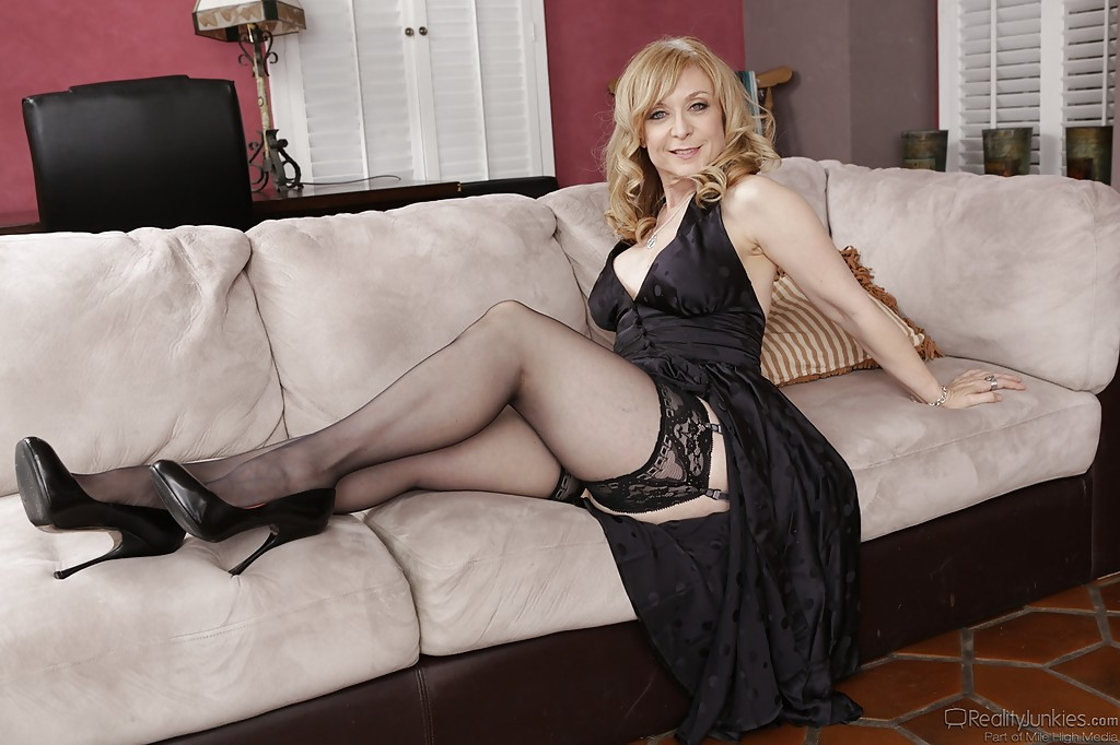 Free mature skinny blonds videos