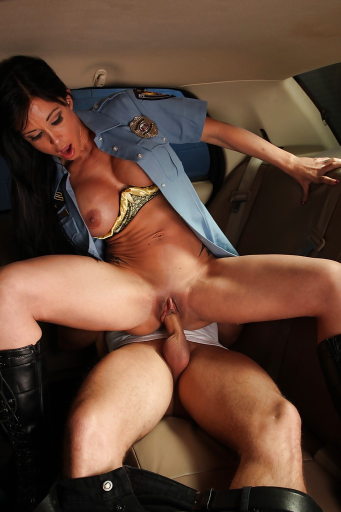 Big tits female cops riding outdoor threesome 2