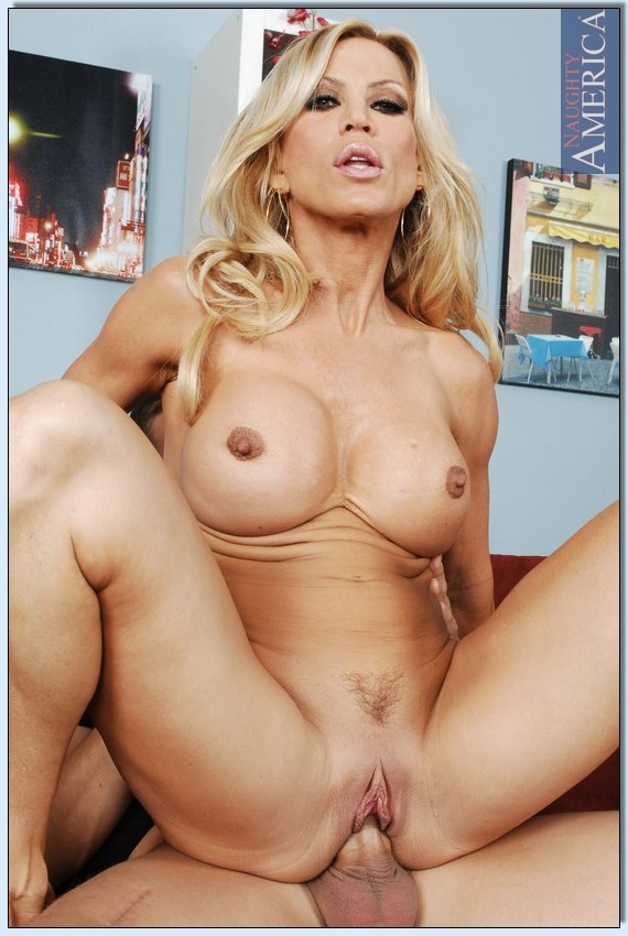 Can that hairy mature wemen Ava Addams