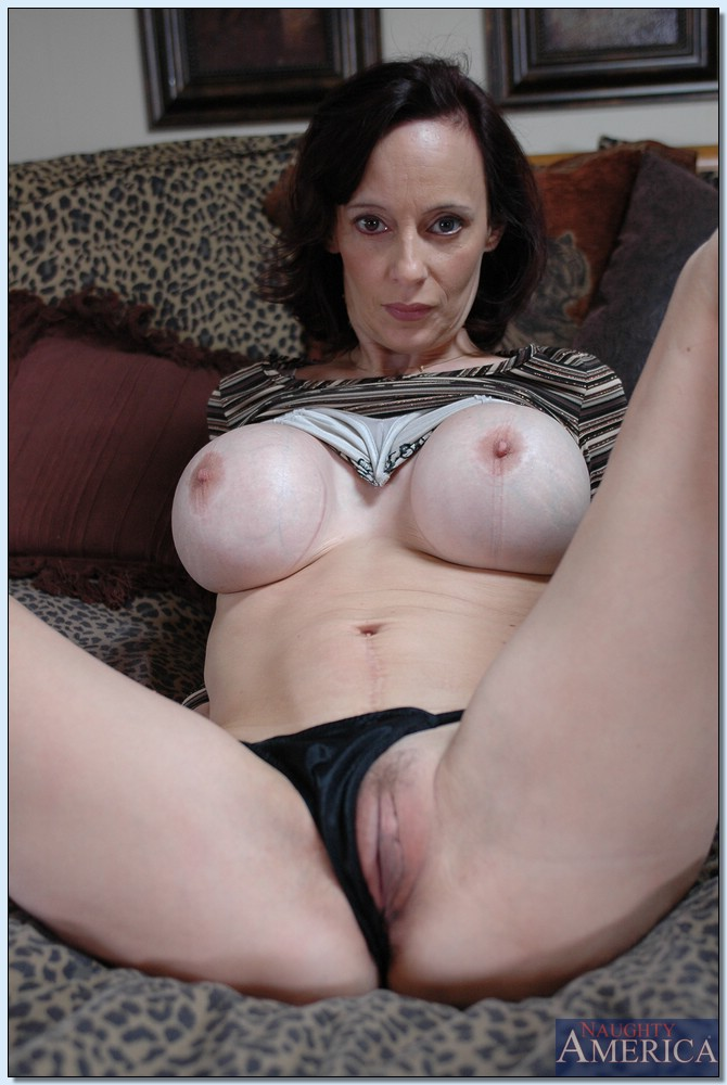 pussy her Mom flashing