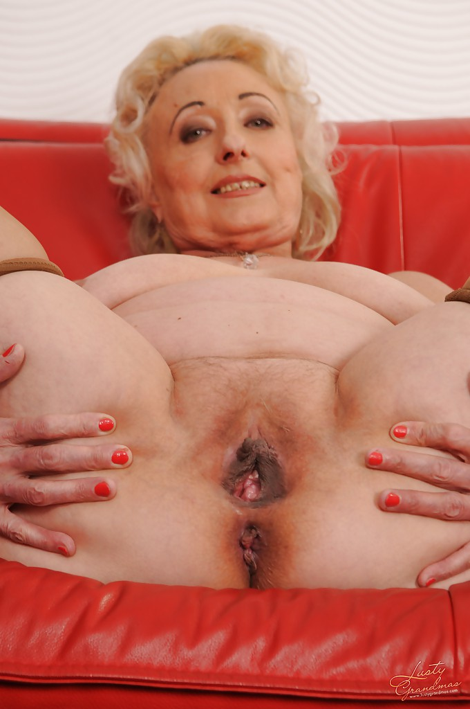 naked and naughty grandmas