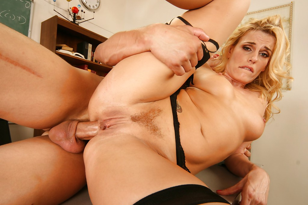 Hot mom gives playmate blowjob dolly little 6