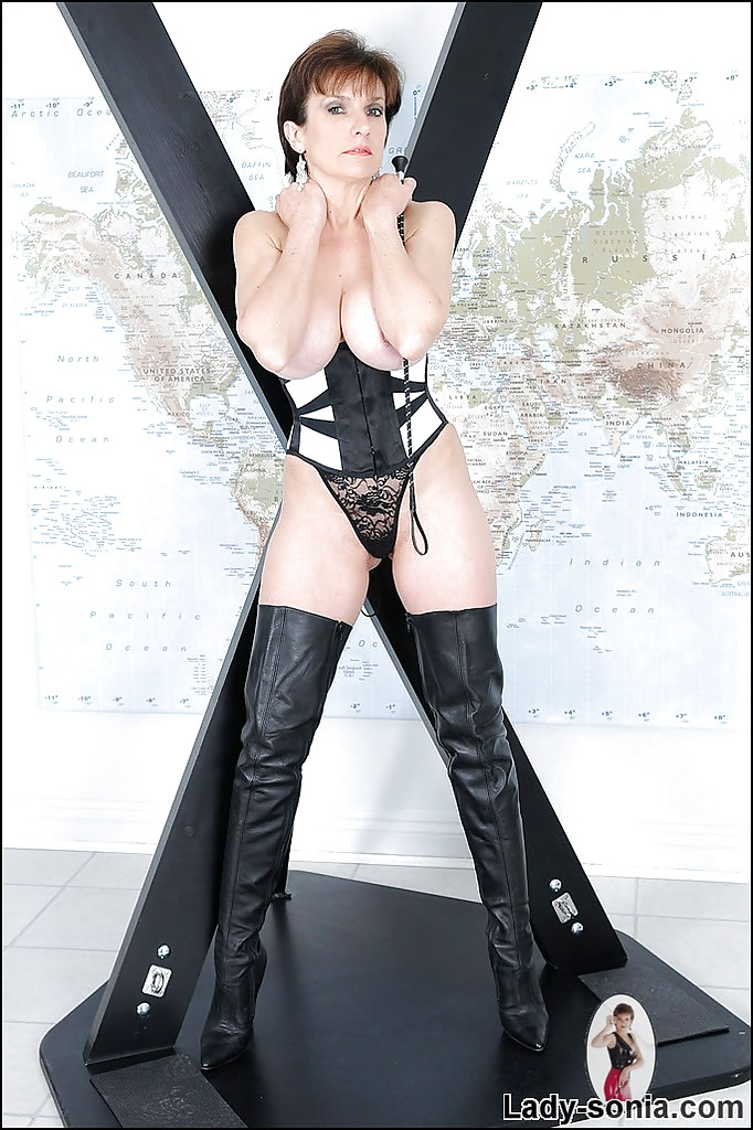 Stunning Mature In High Boots 3