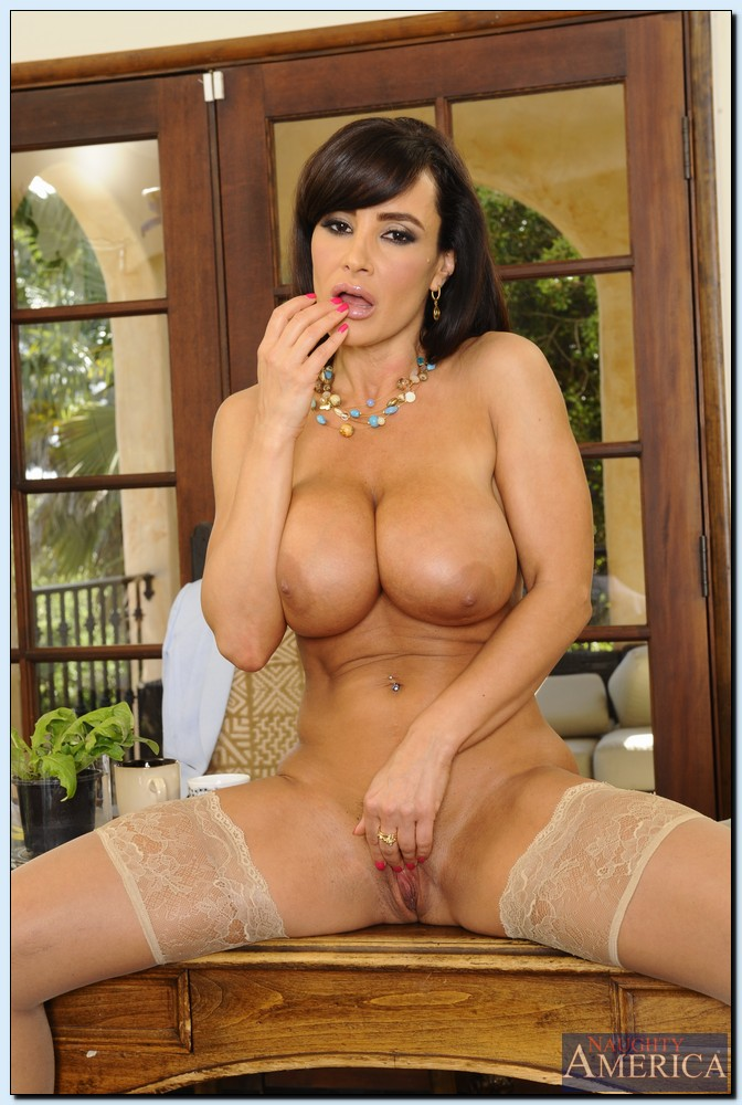 Can nude lisa ann casually found