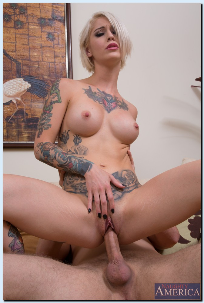 image Kleio valentien hot tattooed blonde in stockings