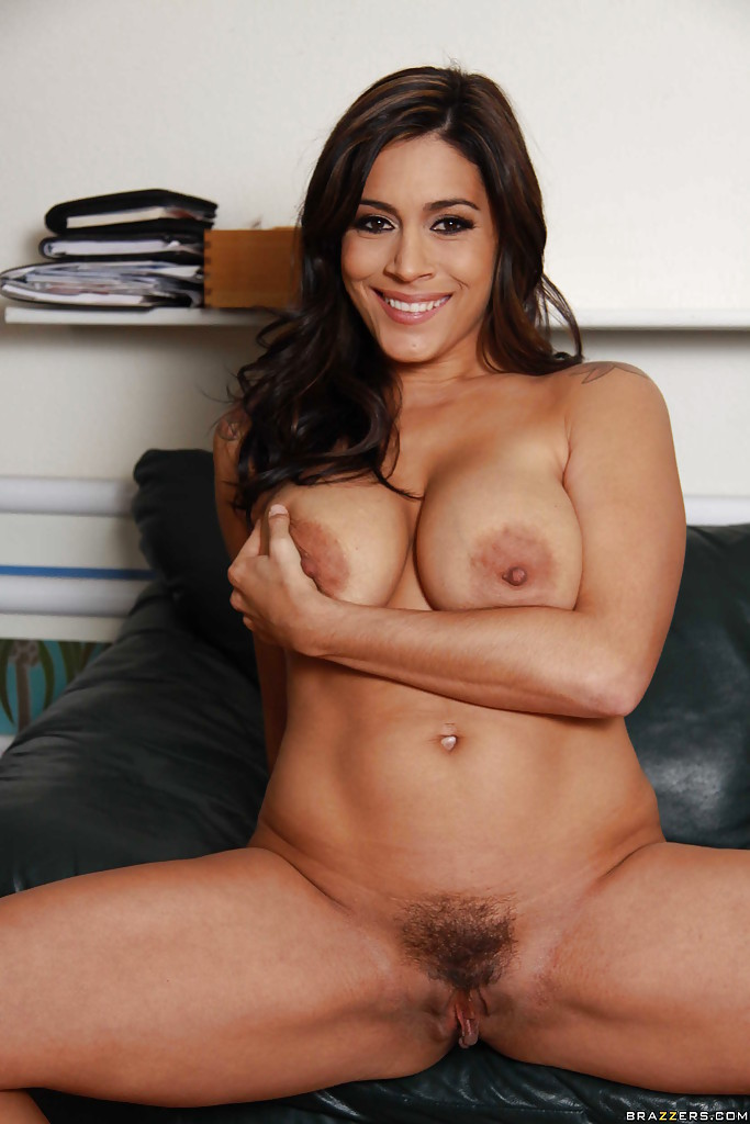 Hot shower milf francesca le